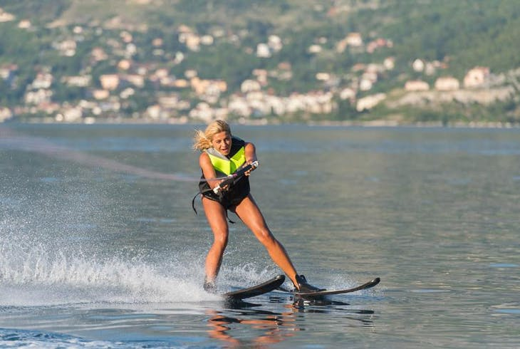 0_new Water Skiing
