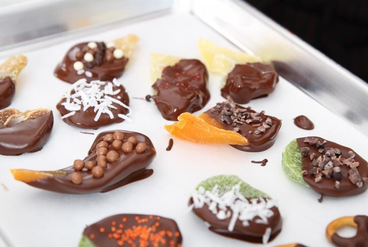 Voila Chocolat Make Your Own Chocolates Experience Chocolate Dipped Treats