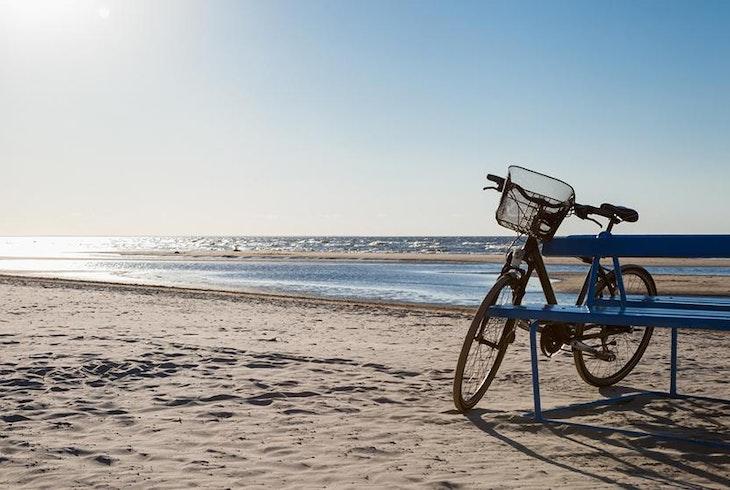 Beach And Vineyard Bike Tour