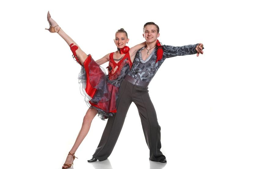 Hustle Dance Jpg Fit Crop Amp H Amp Ixlib Php on Hustle Basic Dance Steps