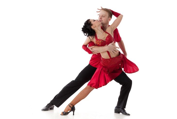 Hustle Dance Jpg Fit Crop Amp H Amp Ixlib Php on Salsa Dance Steps