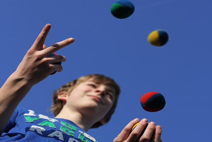 Kids Juggling