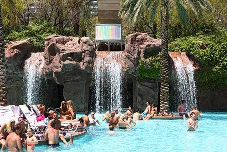 La Epic Club Crawl Vegas Pool Crawl