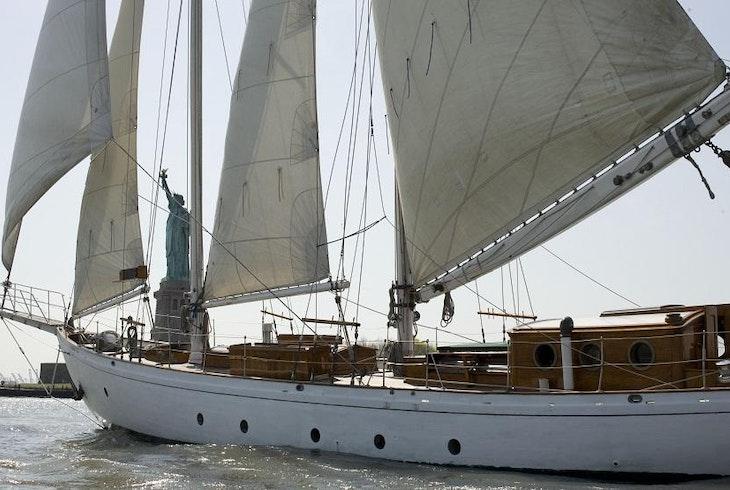 Mbs Wine Sail