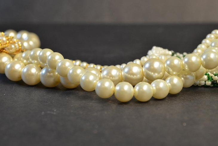 Pearl Knotting