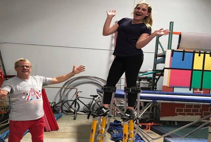Trapeze Las Juggling