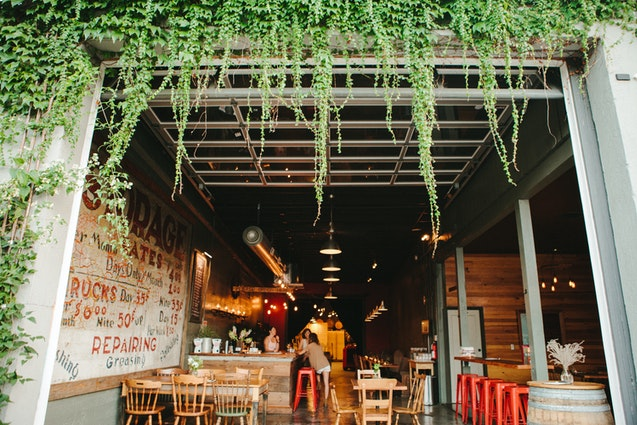 downtown-portland-date-ideas-urban-winery-vimbly