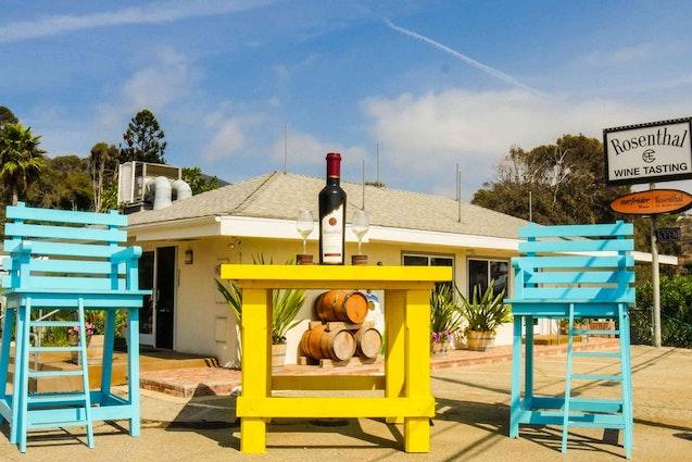 wine-tasting-in-la-rosenthal-wines