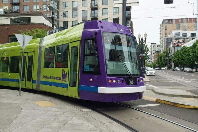 downtown-portland-date-ideas-coffee-streetcar-vimbly