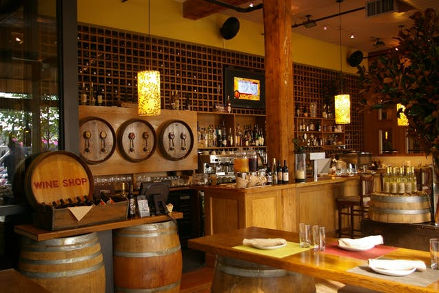 wine-tasting-in-nyc-city-winery-vimbly