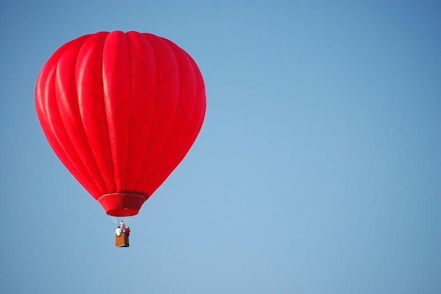 wine-country-hot-air-balloon-los-angeles-date-idea