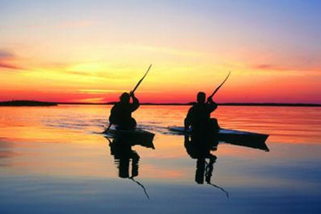 sunset-paddle-kayak-tour-chicago-date-ideas-vimbly