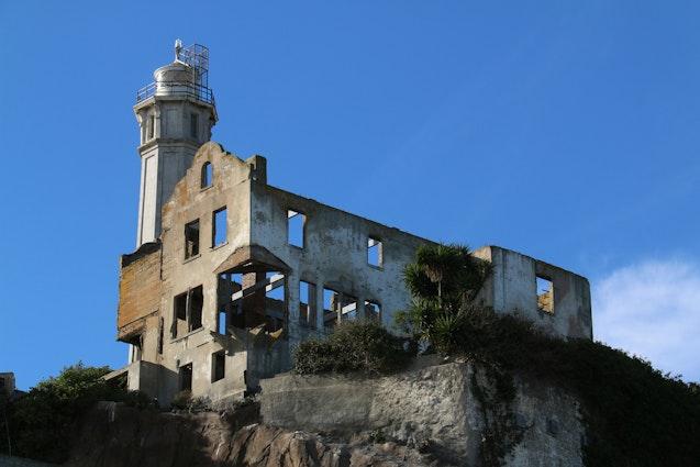 lighthouse-alcatraz-vimbly