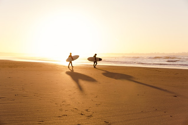 nyc-active-date-surf-lesson-couple