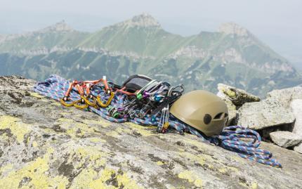 0_new Mountaineering