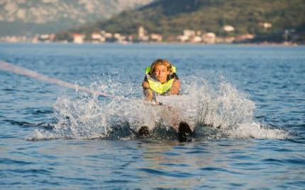 0_new Water Skiing