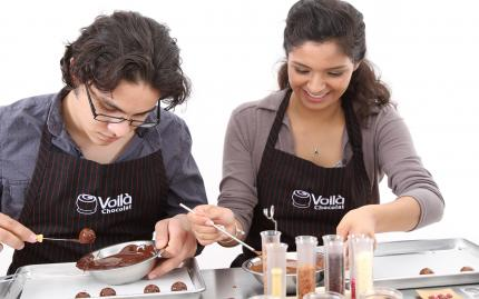 Voila Chocolat Make Your Own Chocolates Experience Exquisite Truffles